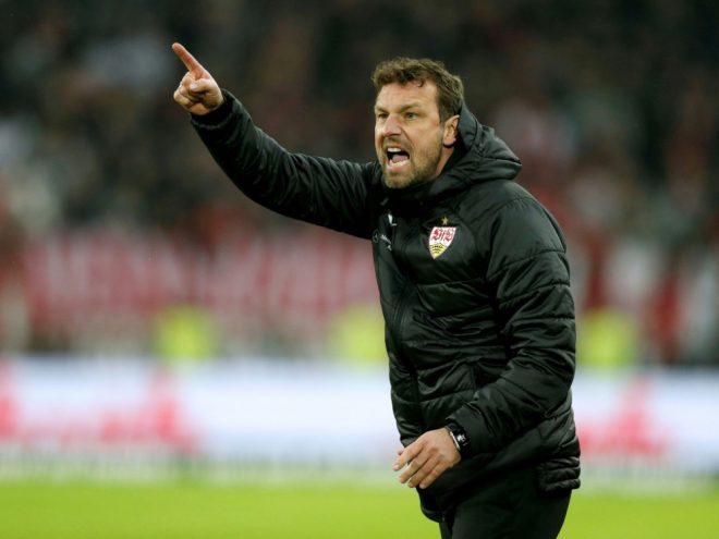 Weinzierl bleibt vorerst Trainer des VFB