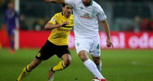 Drittältester Pokal-Torschütze: Claudio Pizarro (r.)