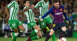 Messi (r.) traf gegen Betis dreimal