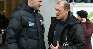 FSV Zwickau mit Trainer Enochs (r.) gewinnt Ost-Duell