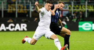 Luka Jovic (l.) im Achtelfinale gegen Inter Mailand