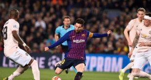 Messi (2.v.l.) schießt Barcelona zum Sieg