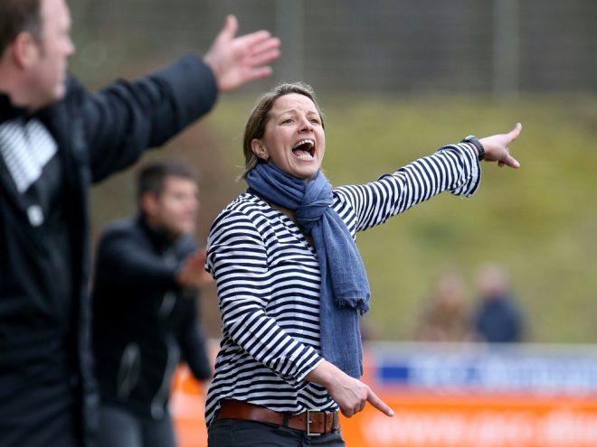 Inka Grings trainiert aktuell den SV Straelen