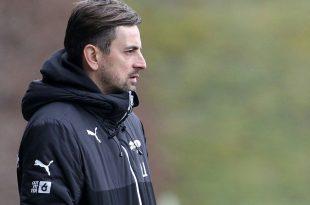 1. FFC Frankfurt verlängert mit Trainer Arnautis