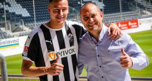 Mario Engels (l.) kommt von Roda Kerkrade
