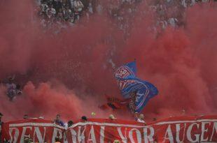 Leipziger Fans zünden Pyrotechnik im Pokalfinale