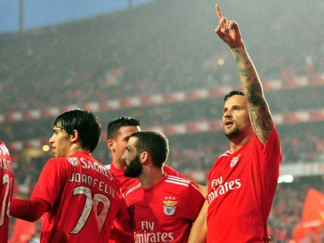 Meisterschaft für Benfica und Haris Seferovic (r.)