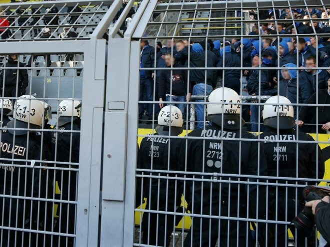 Oberliga-Spiel: Polizei nimmt Krawallmacher fest