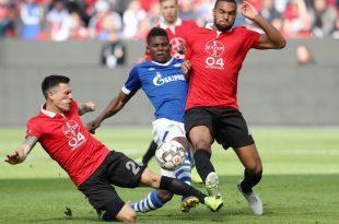 Umkämpftes Spiel zwischen Leverkusen und Schalke