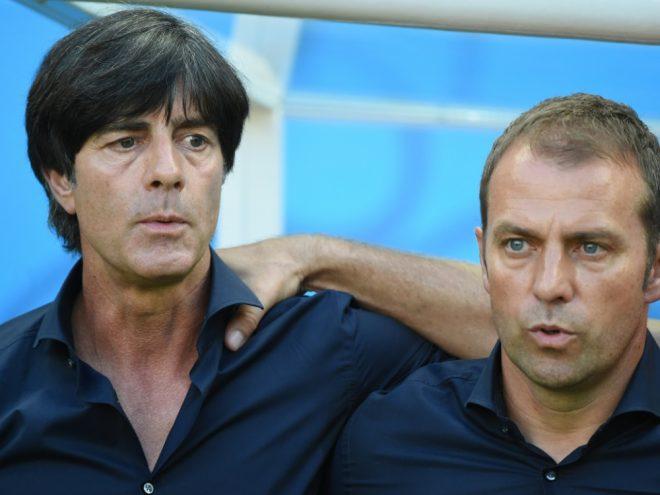 Bundestrainer Joachim Löw (l.) und Hansi Flick