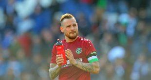 Kapitän Marvin Bakalorz bleibt Hannover 96 erhalten