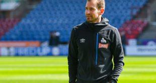 Teammanager Jan Siewert und Huddersfield Town mit PR-Gag