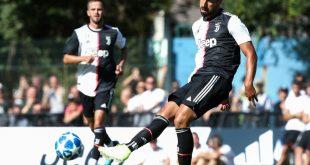 Sami Khedira (r.) bleibt offenbar bei Juventus Turin