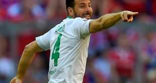 Claudio Pizarro trifft gegen Delmenhorst doppelt