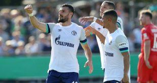 Daniel Caligiuri (l.) trifft Elfmeter für Schalke