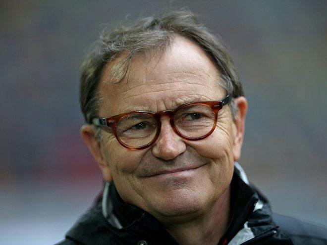"Ewald Lienen ist Teil des Teams ""Placebo Kickers"""