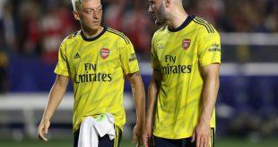 Teamkollegen bei Arsenal: Özil (l.) und Kolasinac (r.)