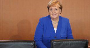 Angela Merkel lobt das DFB-Projekt in Frankfurt