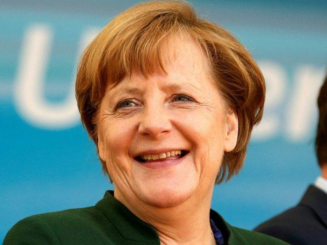 Angela Merkel ist bei der DFB-Präsidentenwahl vor Ort