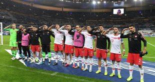 Militärgruß: UEFA-Inspektor soll Vorfälle untersuchen
