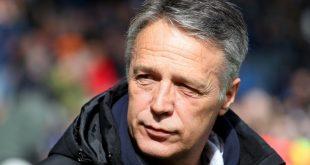 Trainer Uwe Neuhaus freut sich auf das Duell mit dem HSV