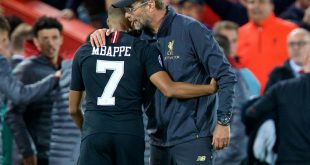 Klopp (r.) bezweifelt, dass Mbappe nach Liverpool kommt