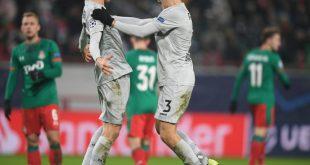 Sven Bender (l.) erzielt das 2:0 für die Werkself