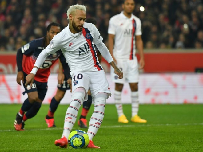 Neymar trifft doppelt in Lille