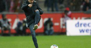 Soll bei Bayer verlängern: Trainer Peter Bosz