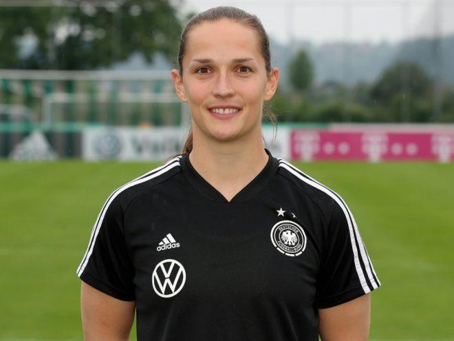 Bayern verlängert mit Torhüterin Laura Benkarth