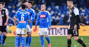 Cristiano Ronaldo (r.) verlor mit Juve in Neapel