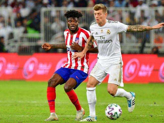Kroos (r.) sicherte sich mit Real Madrid den Supercup