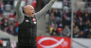 Trainer Rösler freut sich über seinen ersten Sieg