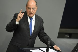 Gysi hält Bundesliga-Abbruch für möglich