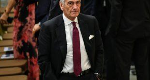 Fußballchef Gravini will Saison unbedingt beenden