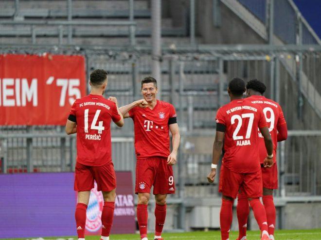 Die Bayern schlagen Frankfurt in einer munteren Partie