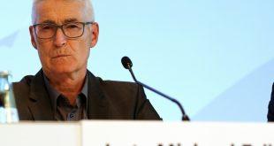Lutz Michael Fröhlich kristiert FCA-Coach Heiko Herrlich
