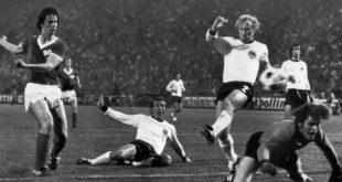 Spwarwassers Siegtor 1974 gegen die BRD (v.l.)
