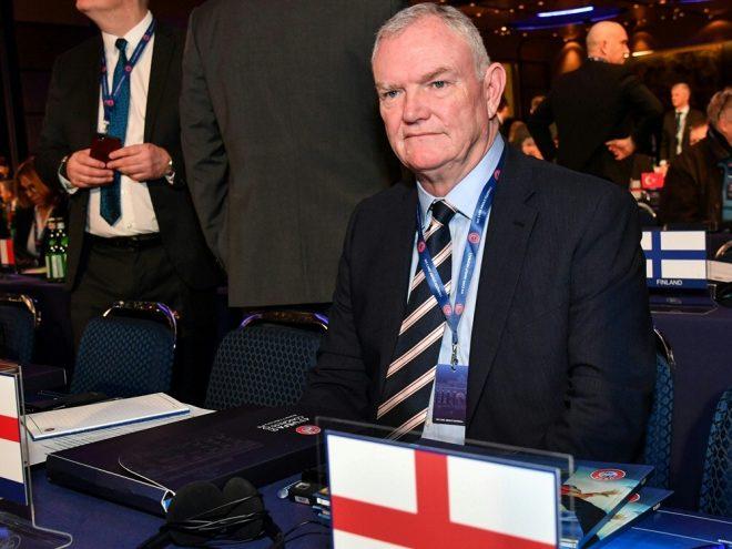 FA-Boss Greg Clarke spricht über den Stellenabbau