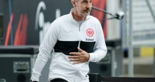 Adi Hütter freut sich auf das Spiel gegen Basel