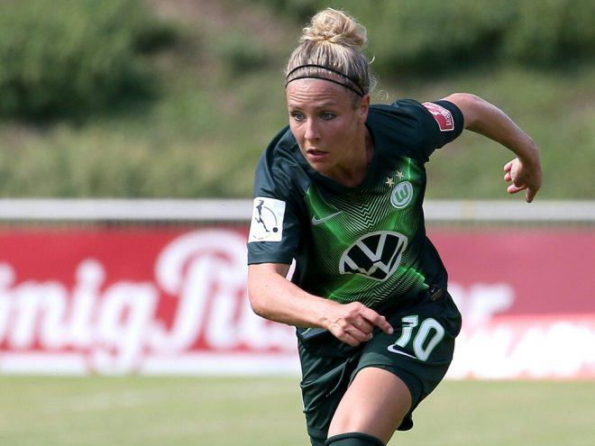 Svenja Huth sieht Vorteil beim VfL Wolfsburg