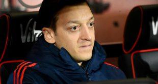Mesut Özil möchte seinen Vertrag bei Arsenal erfüllen