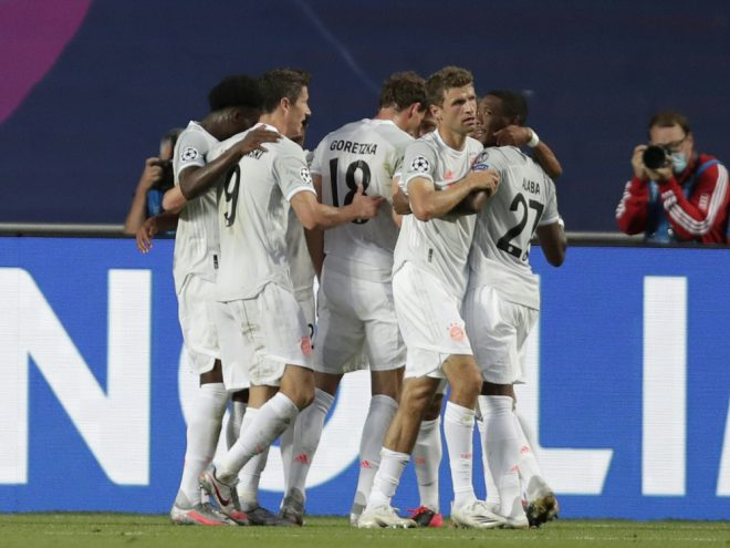 Grund zur Freude: Die Bayern überlegen gegen Barca