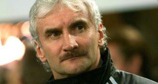 Völler gab am 16. August 2000 sein Bundestrainer-Debüt
