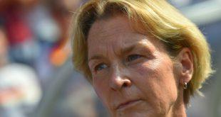 DFB-Trainerin Martina Voss-Tecklenburg unter Zugzwang