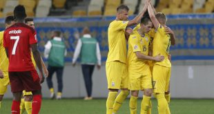 Die Ukrainer bejubeln den Siegtreffer von Sintschenko
