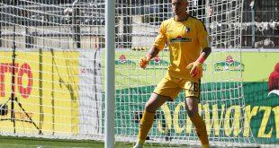 Mark Flekken verletzte sich im Spiel gegen Mannheim