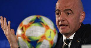 Infantino segnete mit der FIFA einen Corona-Hilfsplan ab