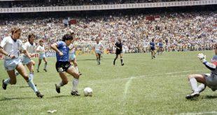 Maradona bei seinem legendären Solo gegen England 1986
