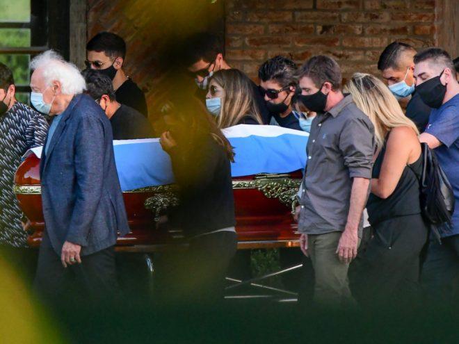 Maradona wurde in einer privaten Zeremonie beigesetzt